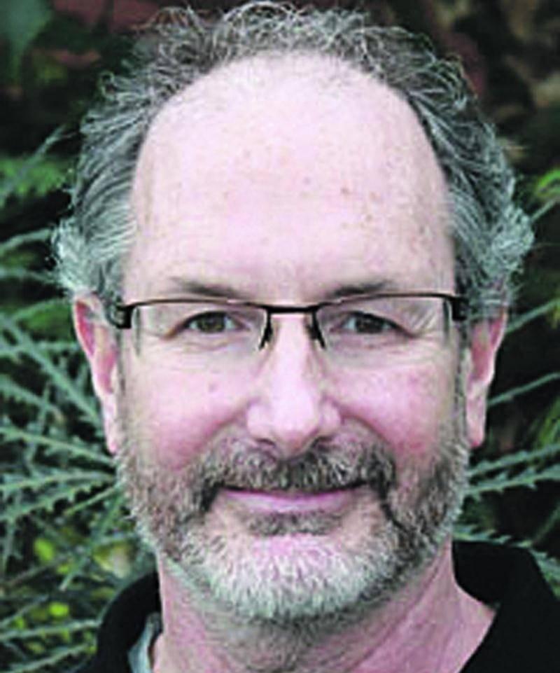 Claude Vallée, agronome, professeur et coordonnateur en innovation technologique à l'ITA, vient de recevoir le prix Henry-Teuscher au Rendez-vous horticole 2015.