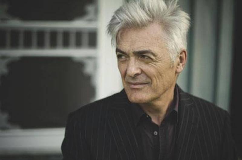 Daniel Lavoie présentera le spectacle <em>J'écoute la radio</em>, tiré de l'album du même nom, le vendredi 25 mai au Centre des arts Juliette-Lassonde à 20 h.