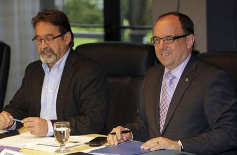 Roger Sylvestre sera à la tête du Cégep de Saint-Hyacinthe pour cinq autres années, une décision qui ne fait pas l'unanimité au sein du conseil d'administration.