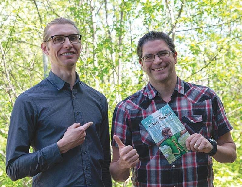 Le tome 1 des Aventures du Clan Boréal est en vente sur la plateforme Amazon depuis avril. Le premier d'une longue série, promet Markus Gauthier, accompagné à gauche de l'illustrateur Julien Lemaire.