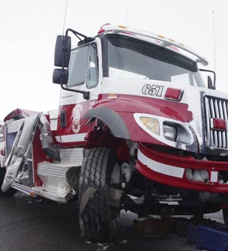 Le directeur du Service des incendies de Saint-Hugues, Michel Bastien, a perdu la maîtrise de son lourd camion-citerne en revenant de le remplir à la caserne de Saint-Simon, dans la nuit du 1 er mars.
