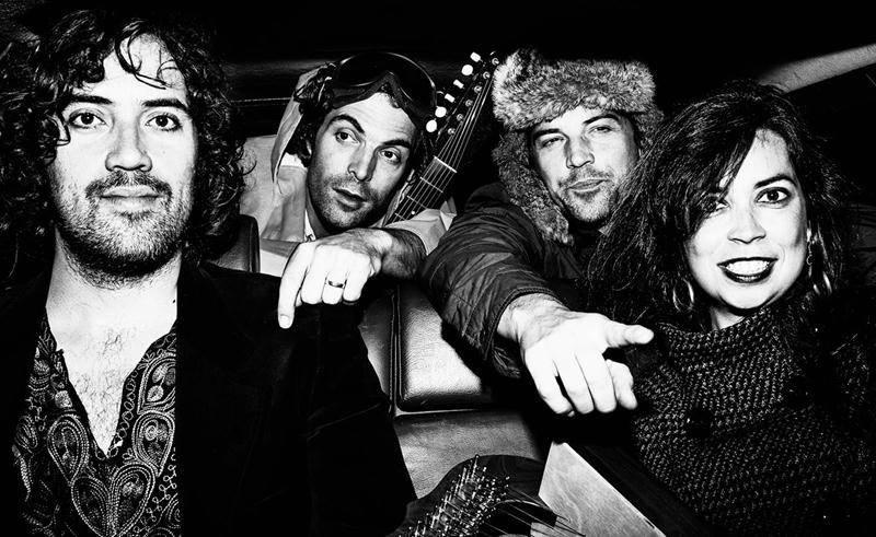 Après une tournée en Europe, The Barr Brothers reviendra au Québec présenter son album Sleeping Operator. Photo John Londono ©