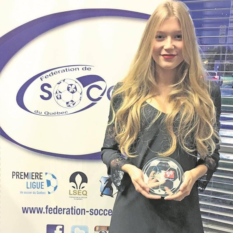 Florence Bilodeau a été honorée dans le cadre du gala Tapis rouge de la Fédération de soccer du Québec. Photo Courtoisie