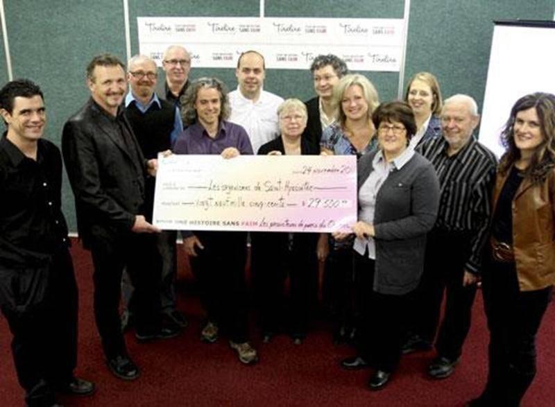 La Fondation Tirelire a remis un chèque de 29 500 $ à neuf organismes communautaires.