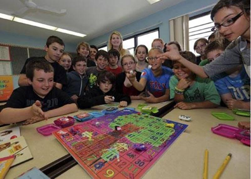 Le <em>Super jeu de lecture</em>, créé par les élèves de 4 e année de l'école Saint-Thomas-d'Aquin, leur fait découvrir le plaisir de lire.