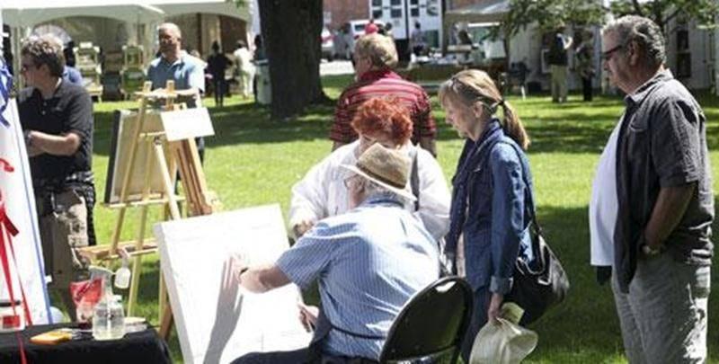 Avec le soleil au rendez-vous, la troisième édition du Symposium Visit'art a été une réussite, selon Maryse Laroche Plourde, présidente du conseil d'administration de l'organisme Visit'art. Ce regroupement d'artistes et artisans maskoutains a eu lieu les 9 et 10 juin au Jardin des Anciens Maires de Saint-Hyacinthe. Cette année, plus de 2 000 personnes ont visité les 80 artistes et artisans exposants lors de cette activité. Il s'agit du double de visiteurs comparativement à l'an dernier.