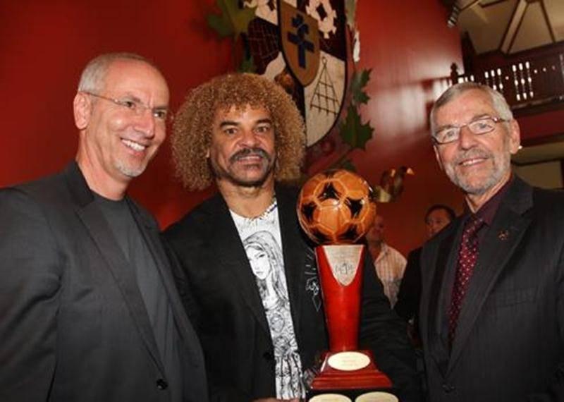 Pierre Rhéaume, Carlos Valderrama et le maire Bernier.