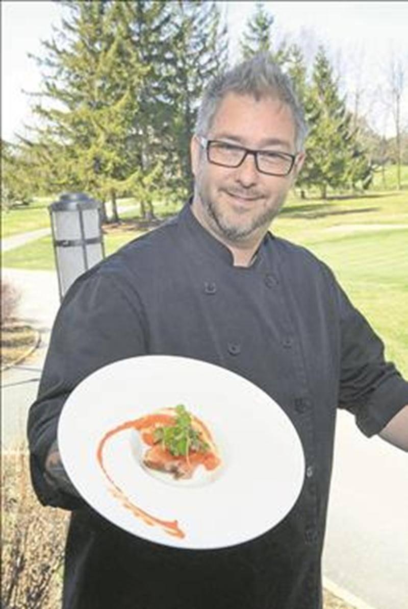 Le Club de golf de Saint-Hyacinthe a fait appel au chef Ian Perreault afin d'offrir un nouveau souffle à sa cuisine.  Photo François Larivière | Le Courrier ©
