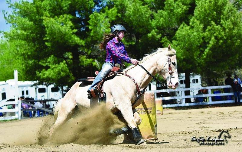Le RC Show espère attirer plus de 200 chevaux pour sa première édition, où l'on pourra notamment voir des épreuves de relais (photo), de barils, de sauvetage et plus encore. Photo Courtoisie