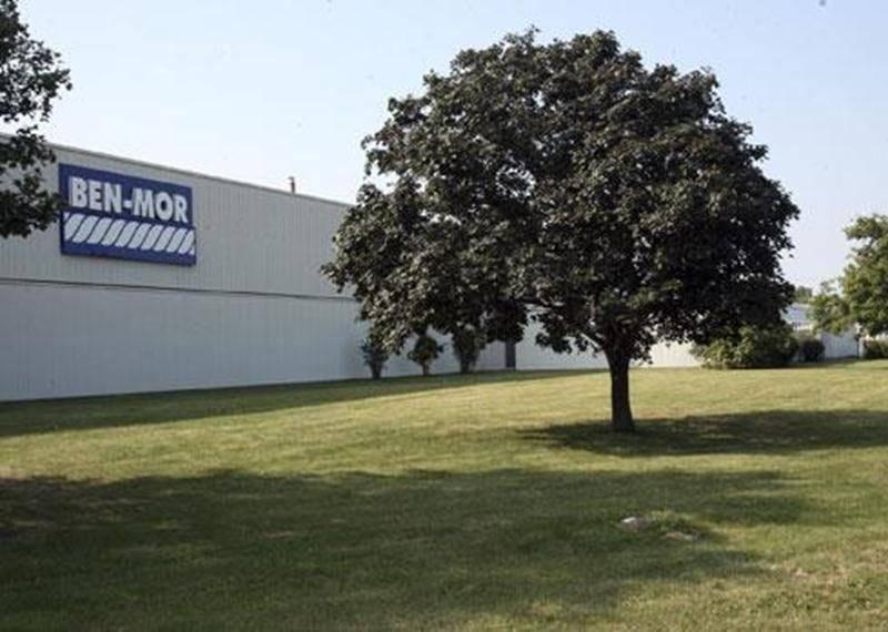L'entreprise maskoutaine Câbles Ben-Mor dispose d'un nouveau centre de distribution pour ses produits de détail situé à Boucherville en bordure de l'autoroute 20.