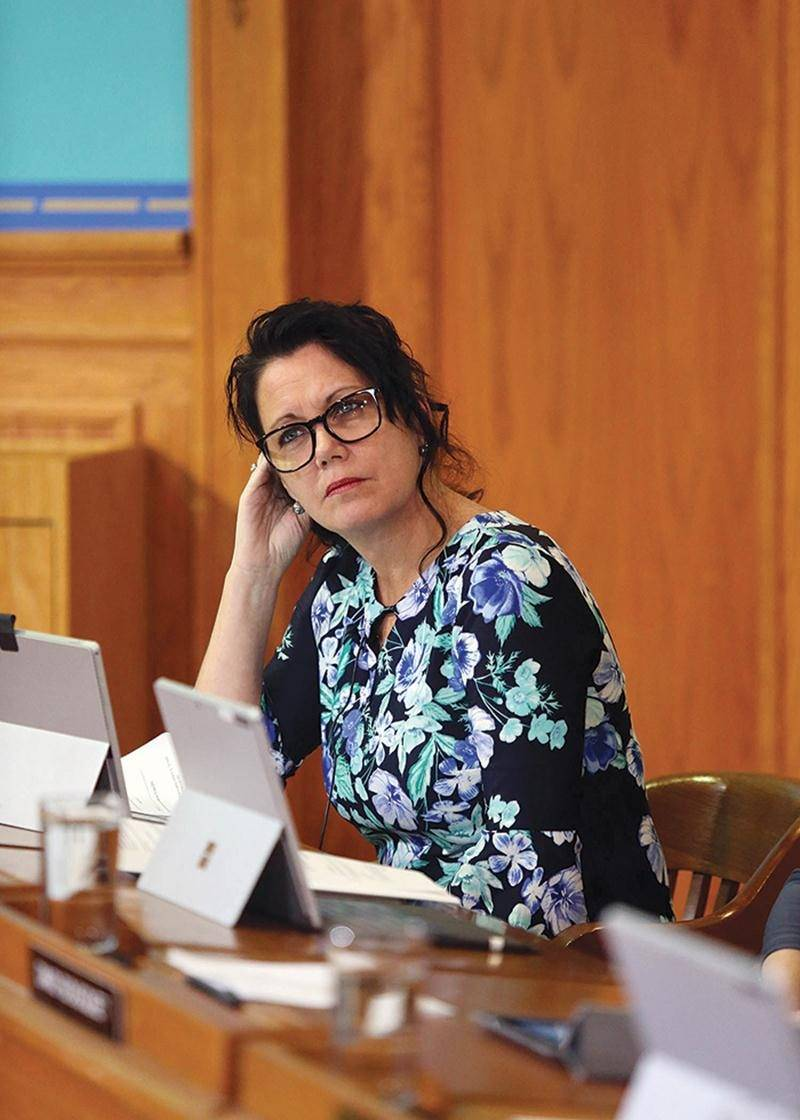 La politique municipale semble avoir donné la piqure à Linda Roy, qui évalue maintenant une possible candidature aux élections fédérales de 2019 sous la bannière conservatrice