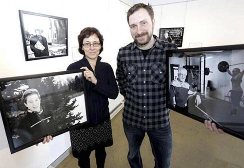 Denyse Bégin et Patrick Roger se sont unis afin de mettre en oeuvre l'exposition <em>Le bénévolat... si on s'y mettait</em> présentée jusqu'au 18 avril au Bureau de tourisme et des congrès.
