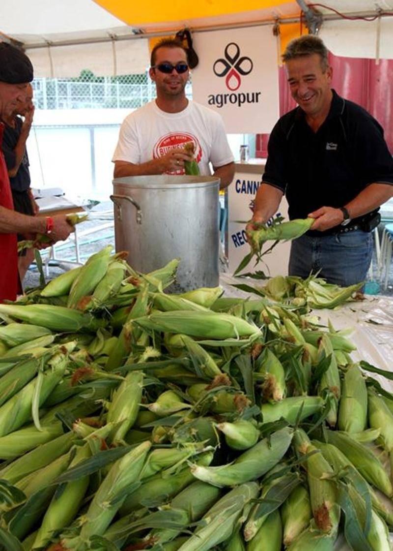 Soleil, maïs sucré et familles étaient au rendez-vous la fin de semaine dernière pour le Festival du Maïs de Saint-Damase. En effet, l'organisation est fière d'avoir accueilli environ 15 000 personnes tout au long des festivités.
