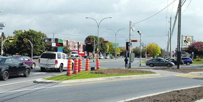 Un appareil de surveillance des feux rouges sera installé à l'intersection des boulevards Casavant Ouest et Laframboise à Saint-Hyacinthe en novembre. Photo Robert Gosselin | Le Courrier ©