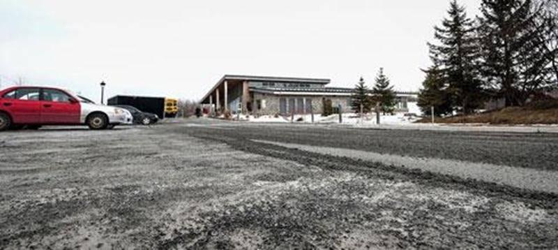 La Ville de Saint-Hyacinthe a décidé de poursuivre le concepteur du stationnement du parc Les Salines, Objectif paysage, et lui réclame 650 367 $.