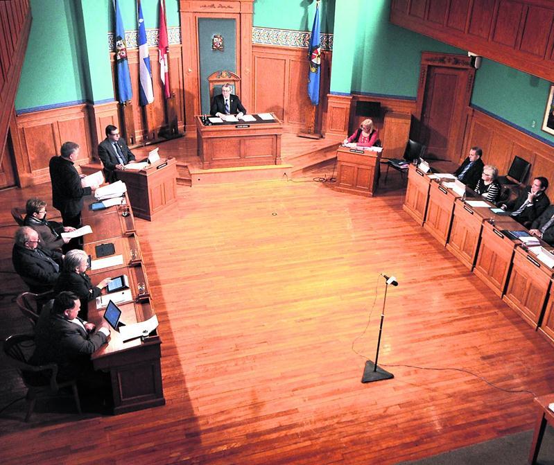 La plupart des conseillers vivent bien avec le projet du maire Corbeil.  Photo François Larivière | Le Courrier ©