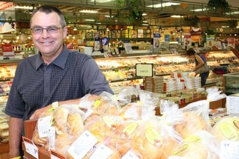 Le propriétaire du supermarché IGA du secteur La Providence, Guy Jodoin, estime que les travaux de 2,5 millions de dollars devraient se terminer vers la fin de l'été.