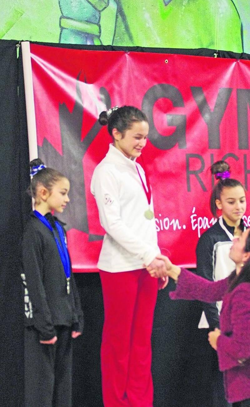 Émy Arès a terminé au premier rang de la classe novice provincial 3 à l'épreuve du saut lors de la 2e sélection de gymnastique artistique. Photo Courtoisie