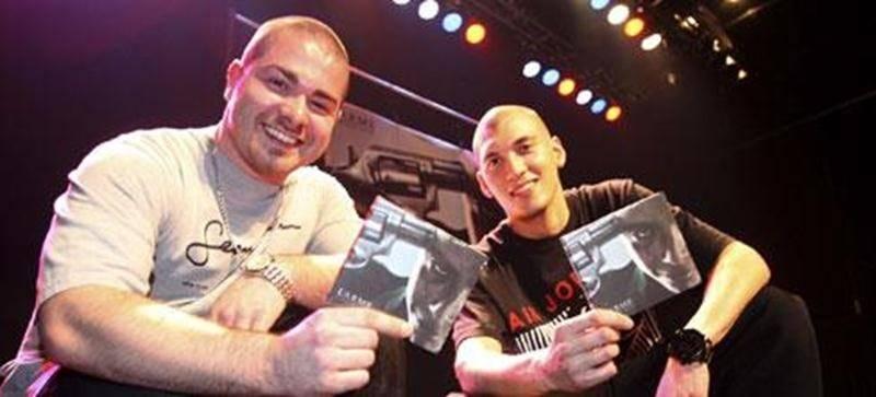 O-Lit et Rymz du groupe Mauvais Acte ont lancé leur premier opus, <em>L'arme</em>. Il est disponible partout depuis le 20 mars.