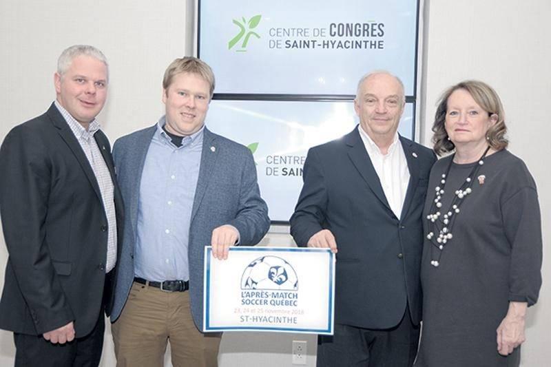 Sur la photo, on retrouve Dany Boulette, directeur des ventes du Centre de congrès de