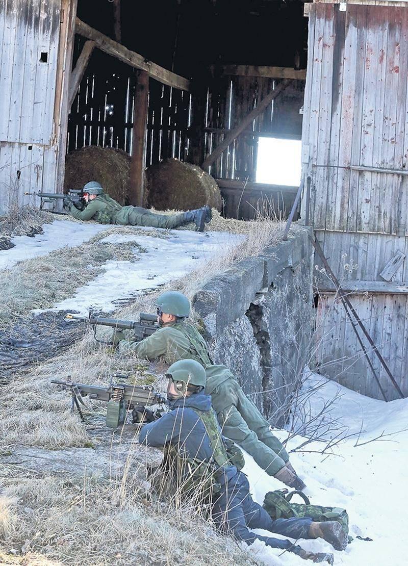 Les 40 soldats ennemis étaient bien organisés et attendaient les attaquants de pied ferme, mais la force d'assaut des 60 soldats amis a eu raison de leur défense.