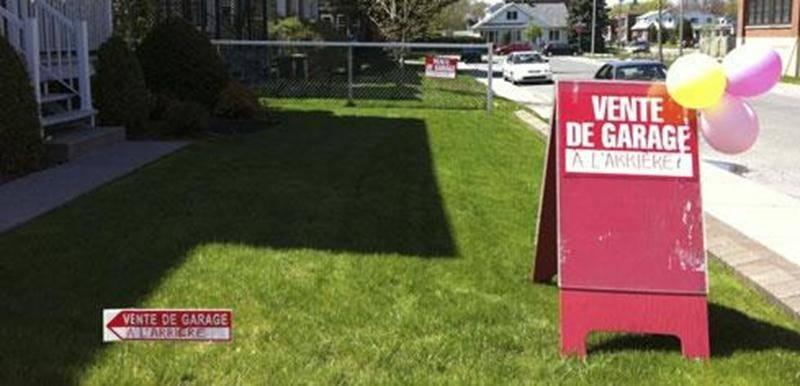 Ce sont ces trois affiches qui ont valu une contravention de 146 $ à la famile Dolbec.
