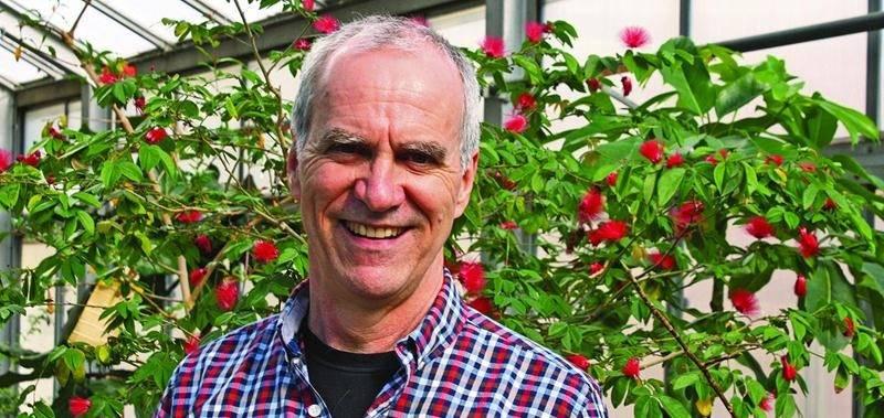 Martin Gosselin, professeur en production laitière à l'Institut de technologie agroalimentaire, a reçu une mention d'honneur lors du colloque annuel de l'AQPC.  Institut de technologie agroalimentaire