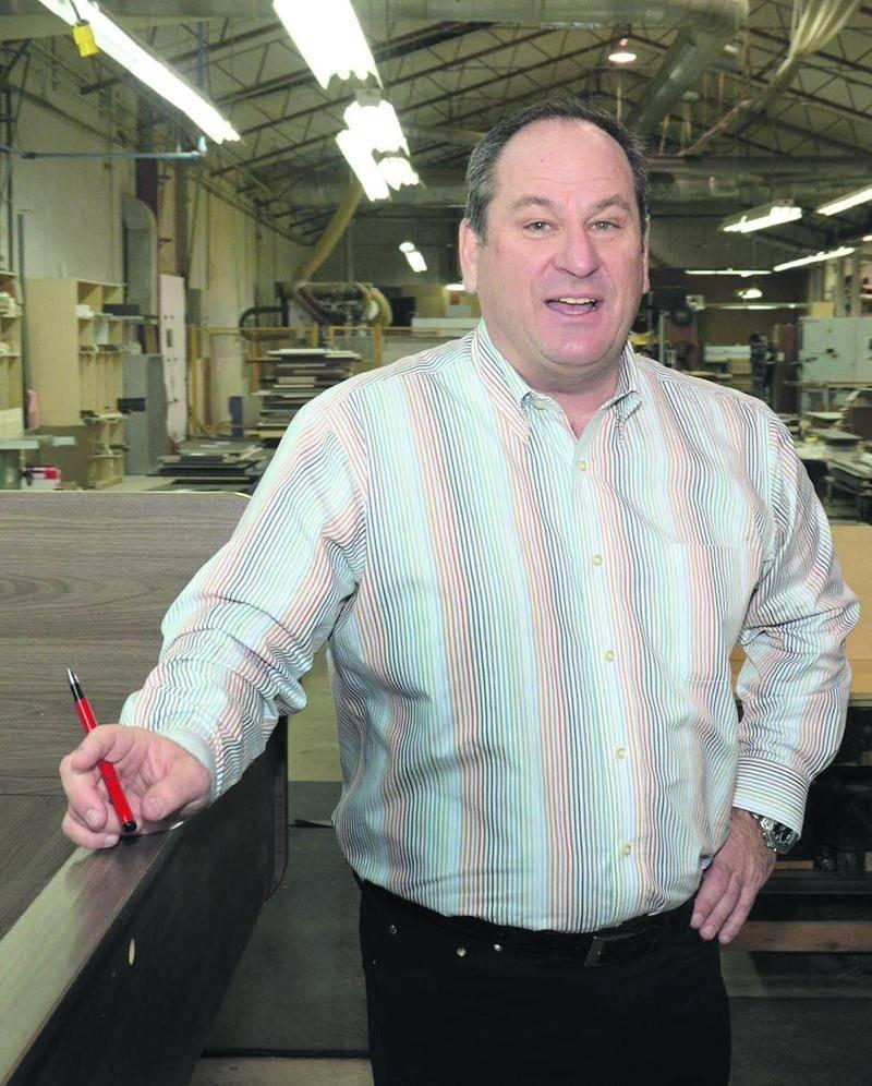 Patrick Lacasse, président de l'entreprise de mobilier de bureau, Pli Office à Saint-Pie. Photo François Larivière | Le Courrier ©