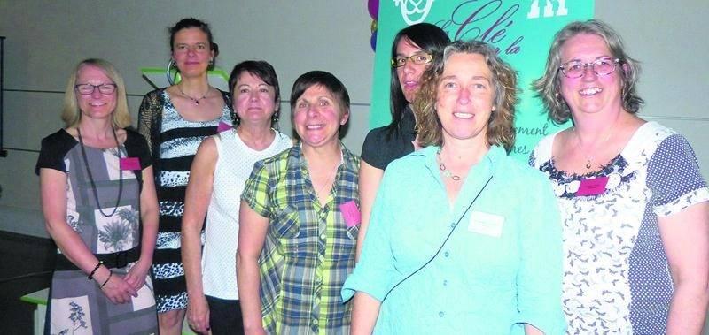 Les membres du conseil d'administration de La Clé sur la Porte ont pris part à la fête pour souligner les 35 ans de l'organisme.