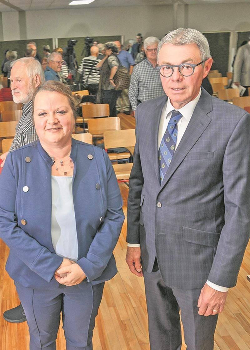 Des maires restent; d'autres tirent leur révérence