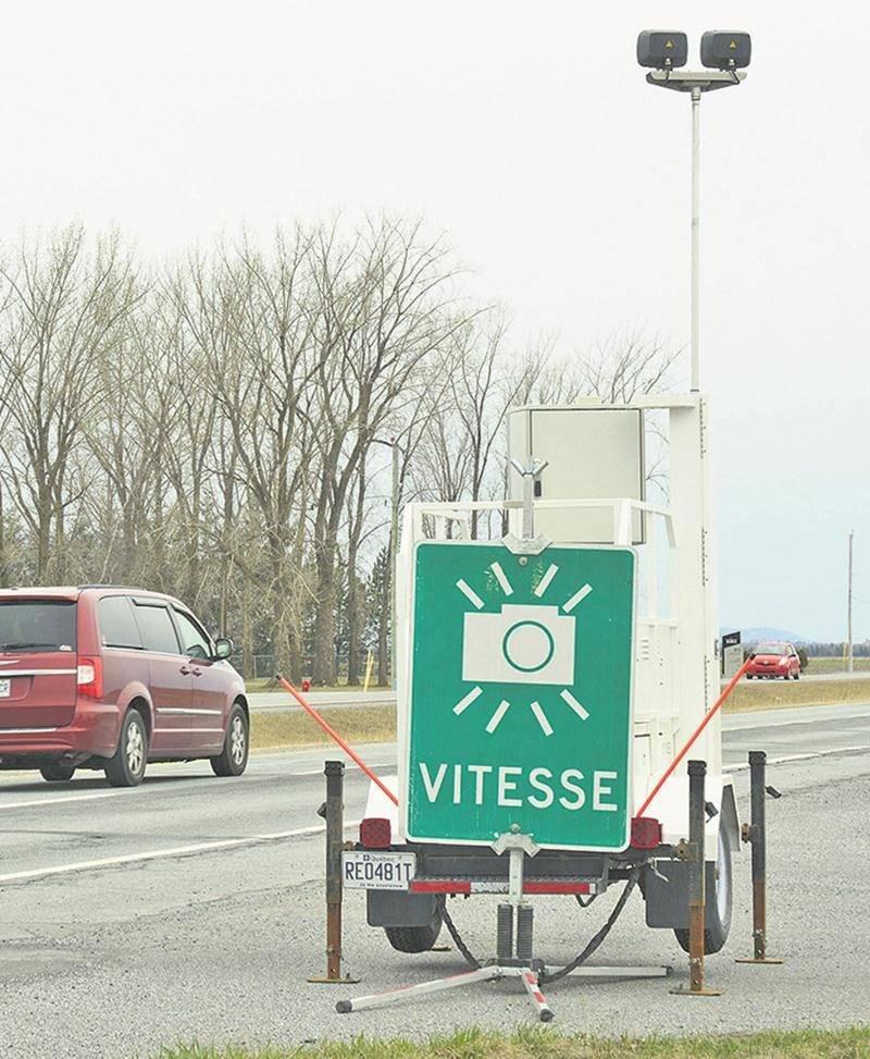 Depuis sa mise en service, le radar photographique de Sainte-Marie-Madeleine a généré des profits de 167 770 $.  Photothèque Le Courrier