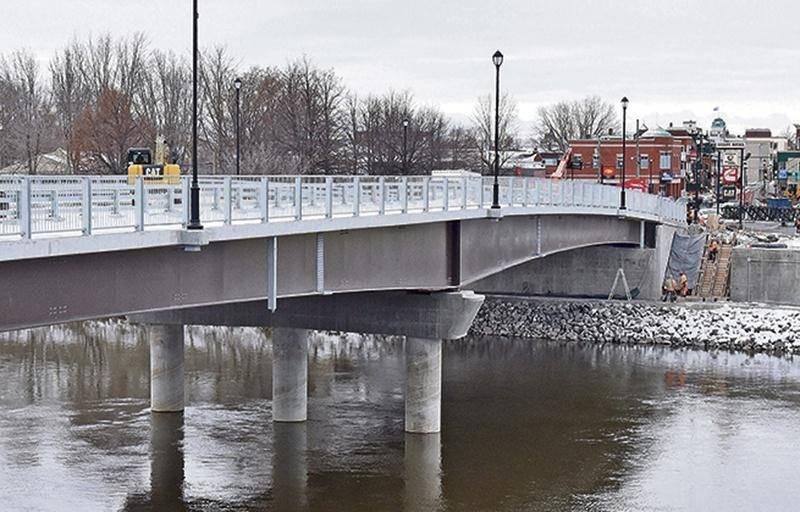 Le pont Bouchard livré dans les délais