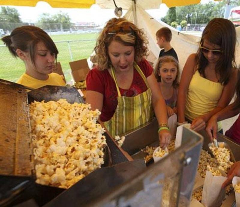 Le Festival du maïs, ce n'est pas seulement des épis de maïs succulents à volonté, mais aussi le fameux maïs soufflé et des dégustations de galettes de sarrasin. Avis aux gourmands!