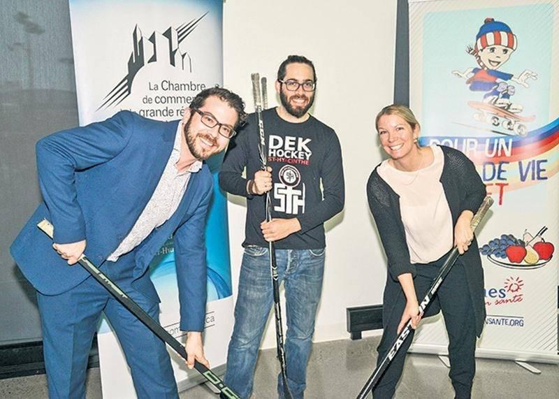 Sur la photo, on retrouve Marc-Antoine Gaucher, président de l'Aile jeunesse de la Chambre
