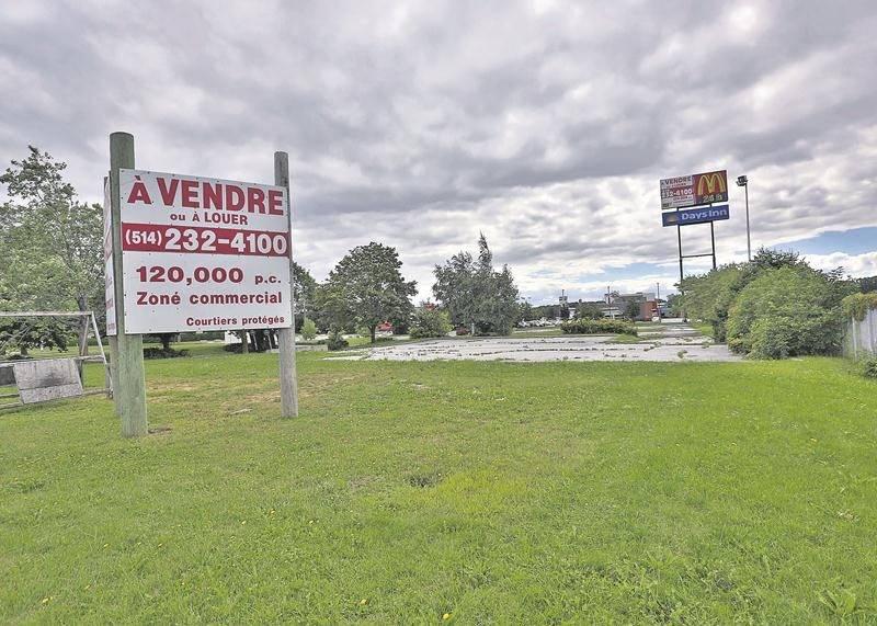 Le groupe canadien Sobeys a acheté au début du mois de juillet les terrains vacants près de la sortie 152 de l'autoroute 20 à Sainte-Hélène pour y développer un projet commercial.