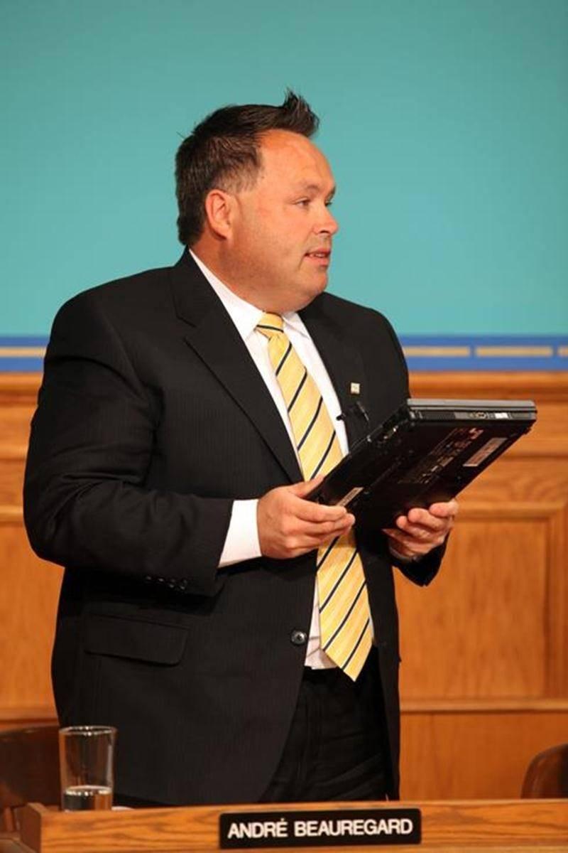 Le conseiller André Beauregard suggère de relocaliser les organismes communautaires de l'ancienne école Christ-Roi au Couvent de la Métairie.
