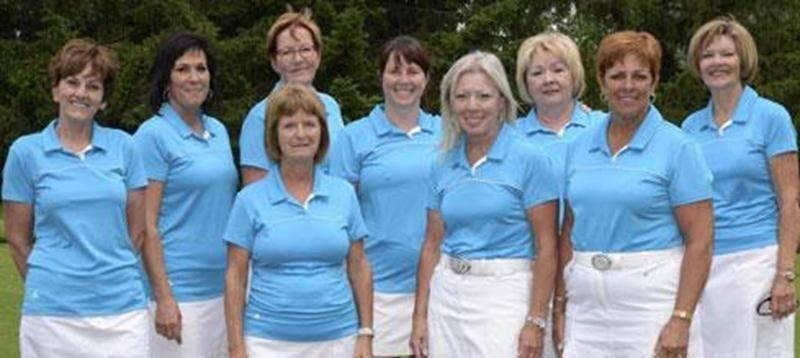 Le Club de golf Saint-Hyacinthe a accueilli, le 6 juillet, l'Interclub féminin classe B. Les six joueuses représentant le club ont dominé la compétition, battant les clubs de Dorval et Berthier. Sous une formule « match play », Saint-Hyacinthe a terminé la journée avec 19 points, alors que Dorval a suivi avec 13 points et Berthier a fini avec 4 points. Sur la photo, on aperçoit l'équipe gagnante, composée de Doris Lemire, Guylaine Trahan, Lucie Robitaille, Louise Lebel, Annie Beaudoin, Laurence