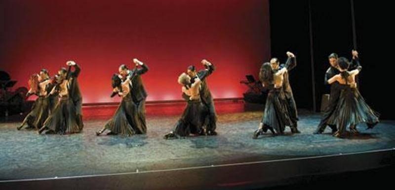 <em>Tango Pasión</em>, c'est une troupe purement argentine qui ne manquera pas d'éblouir en soulignant à coups de danse le parcours fulgurant du tango, la danse qui a fait la renommée de son pays.
