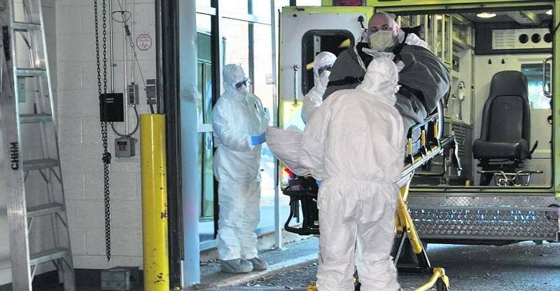 Un faux patient atteint d'Ebola a été transporté à l'urgence de l'Hôpital Honoré-Mercier au début décembre lors d'une simulation. Photo CSSSRY