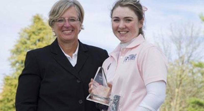 Valérie Tanguay s'est une fois de plus illustrée lors d'une compétition de golf, cette fois du côté du Oshawa Golf and Curling Club dans le cadre du Championnat canadien PING, un championnat collégial où elle représentait le Collège Champlain-St. Lawrence. Grâce à cinq oiselets et un aigle en ronde finale, elle a remis une carte de 67 avec un score de -5. Elle a du même coup battu le record du parcours et signé le livre de records du club. Au cumulatif des trois rondes, Valérie a terminé en prem