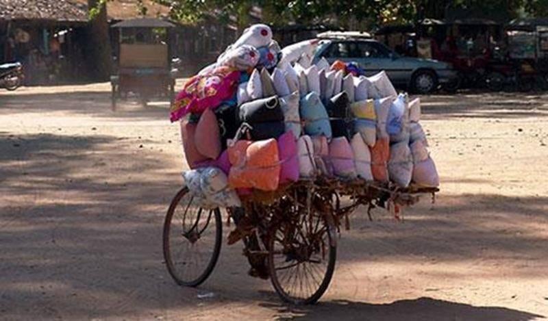 Profitez de la collecte organisée par Vélo Club Saint-Hyacinthe et Cyclo Nord Sud pour vous défaire du vélo que vous ne voulez plus! Il sera grandement utile dans un autre pays. L'an dernier, 93 vélos sont partis pour le Salvador. Apportez votre vélo le samedi 15 septembre, entre 10 h et 13 h, au Centre nautique (3198, rue Girouard Ouest). Des frais minimes de 15 $ vous seront demandés pour le transport et on vous émettra en échange un reçu d'impôt pour la valeur estimée de votre vélo plus les 1