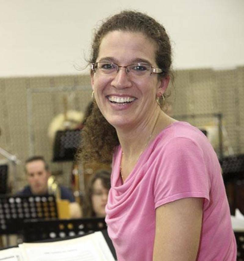Johanne Lefebvre succède à Isabelle Rousseau à la direction musicale de la Société Philharmonique de Saint-Hyacinthe.