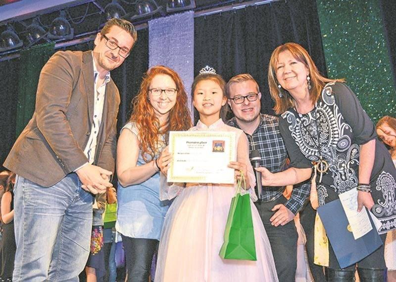 La pianiste Émilie Mu, de l'école Bois-Joli-Sacré-Coeur, a été couronnée la reine de la 7e finale de Primaire en spectacle grâce à son numéro de piano.
