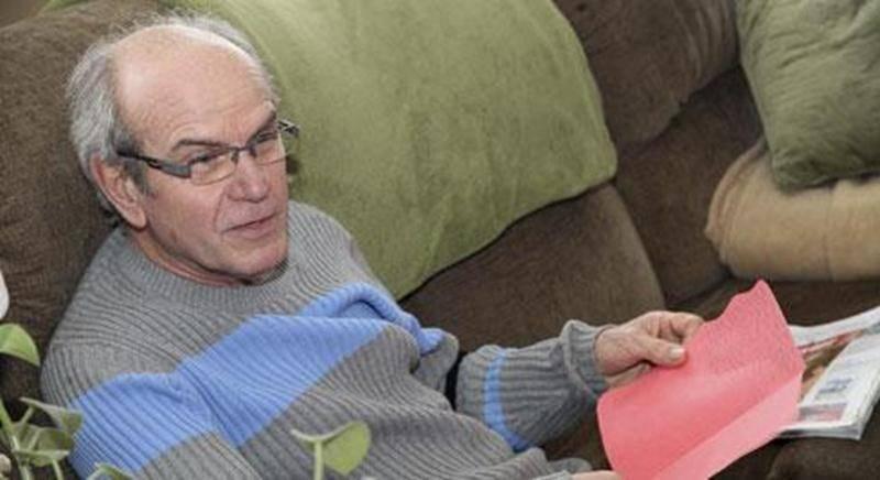 Raymond Cartier, l'arbitre qui a été victime d'un malaise cardiaque sur la glace du Pavillon de la Jeunesse le 8 décembre, pourra célébrer la fête de Noël avec ses enfants et ses petits-enfants.