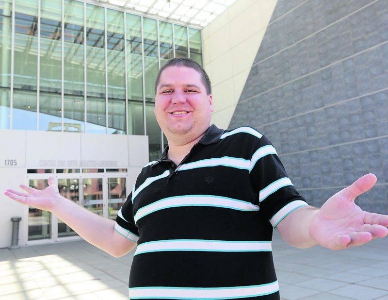 L'humoriste Frank Grenier animera les Soirées Juste pour rire le premier jeudi de chaque mois au Centre des arts Juliette-Lassonde.   Photo Robert Gosselin | Le Courrier ©