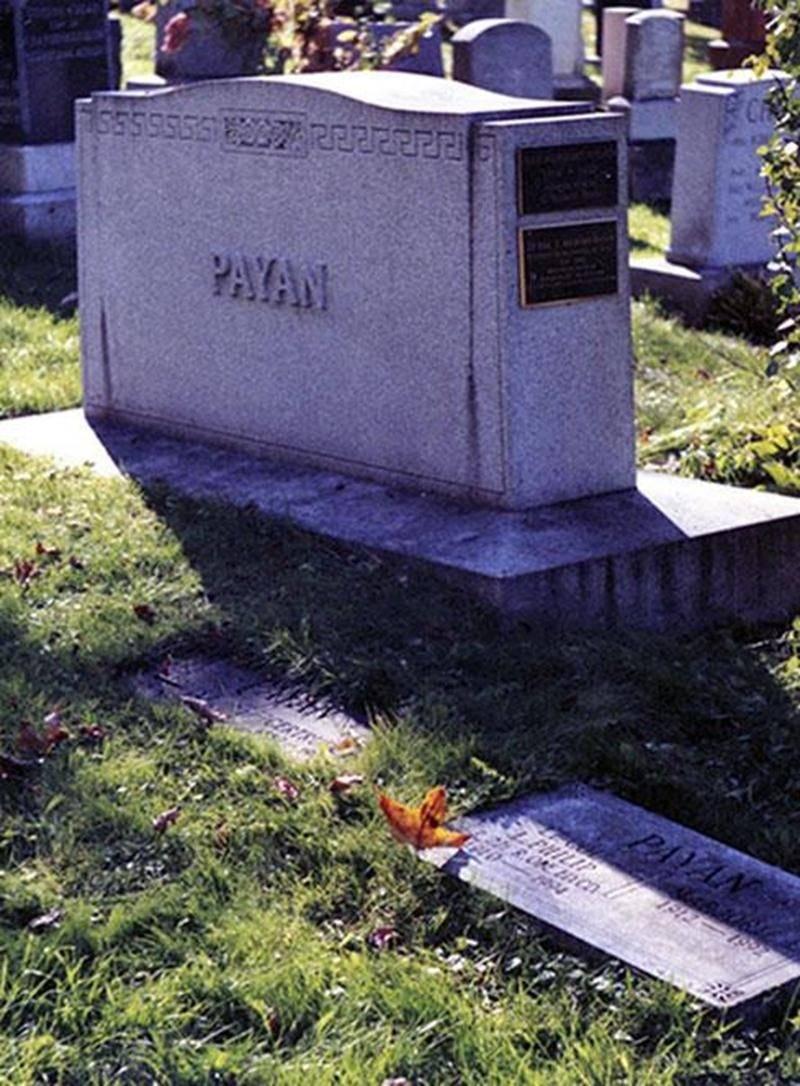 Monument funéraire familial de Paul-F. Payan, cimetière Mont-Royal, Montréal.