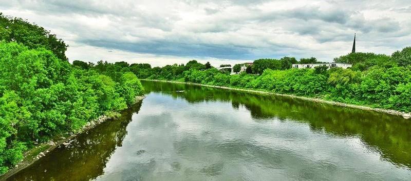 La rivière Yamaska vue du pont Morison à Saint-Hyacinthe. Photo François Larivière | Le Courrier ©