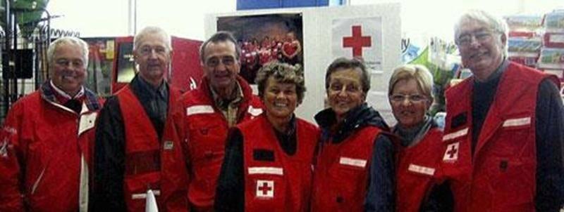 De gauche à droite : Michel Laguë, président de la section Les Maskoutains; Pierre Binette, Gérard Saint-Onge, France Girouard, Annette Lecours, Lise Côté et Jean-Jacques Lafortune, relationniste de l'organisme.