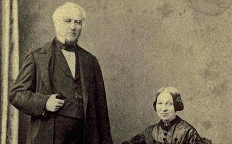 Augustin-Norbert Morin et Adèle Raymond, probablement au début des années 1860, par le Studio Livernois à Québec. [ACHSH]