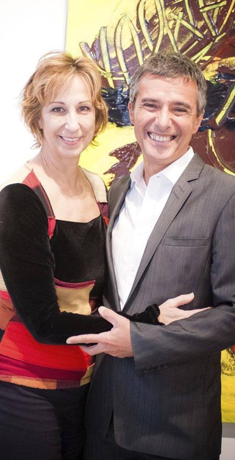 Les auteurs Danielle Proulx et Guy Corneau lors du lancement de la pièce <em>Céline et André</em> à Montréal.